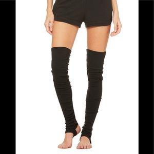 Alo yoga Goddess leg warmers